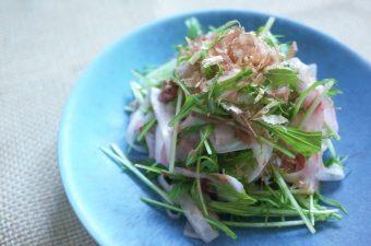 ひらひら大根の梅肉サラダ