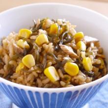 ツナとコーンの塩昆布炊き込みご飯         (コーン・塩昆布)