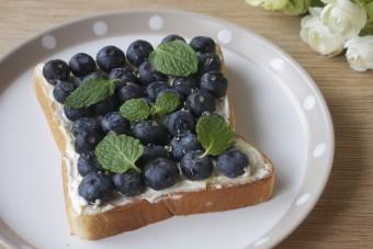ブルーベリーチーズケーキ風トースト